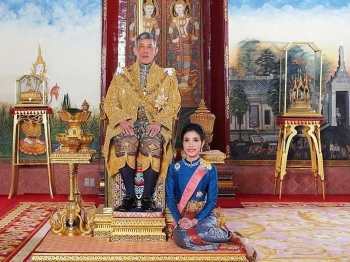 Selir Raja Thailand Sineenat Wongvajirapakdi (Thailands Royal Office/AFP/Getty Images via CNN)