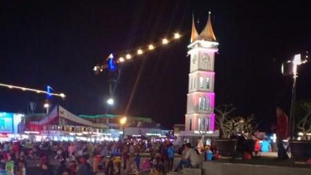 7 Aktivitas Menarik di Jam Gadang Bukittinggi