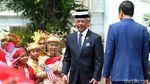 Senyum Jokowi Saat Terima Kedatangan Raja Malaysia di Istana Bogor