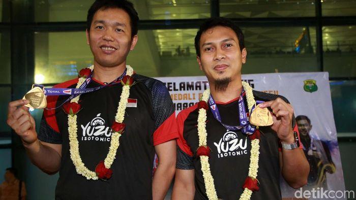 Mohammad Ahsan (kanan) menjadikan Bogor sebagai tempat liburan favoritnya (Agung Pambudhy/detikSport)