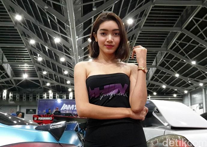 DJ Nisha dan Mobil Impiannya