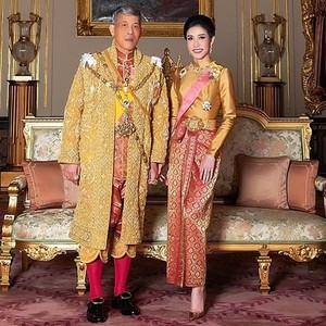 5 Kontroversi Sineenat, Selir Raja Thailand yang Foto Intimnya Tersebar