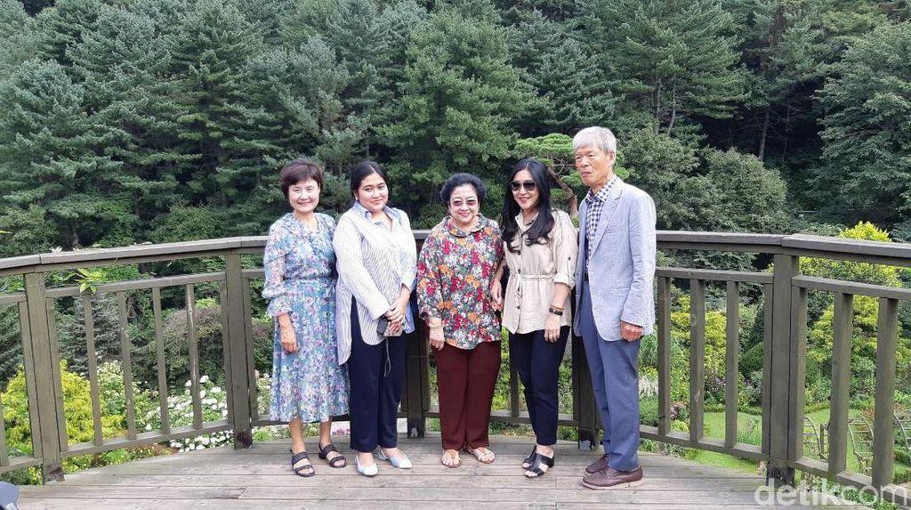 Megawati Nikmati Keindahan The Garden of Morning Calm di Korsel