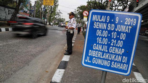 Dishub DKI Serahkan Masalah Penanda Taksi Online ke Kepolisian