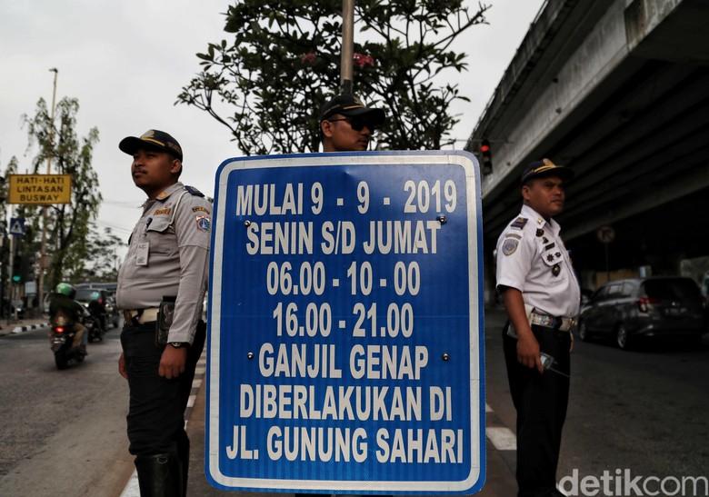 Ganjil genap Jakarta. Foto: Pradita Utama