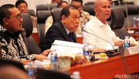 Pimpinan rapat Kahar Muzakir menyebut, agenda rapat kerja antara Banggar dengan Pemerintah adalah penyampaian pokok-pokok RUU APBN tahun anggaran 2020, dan pembentukan panja.