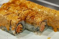 Mau Makan Sushi Tapi Lagi Diet? Ini Cara Sehat Menyiasatinya