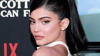 Foto: Transformasi Bibir Kylie Jenner Dalam 10 Tahun Terakhir