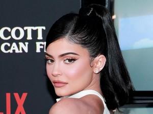 Terlalu Seksi, Gaun Kylie Jenner di Pernikahan Justin Bieber Dikritik Netizen