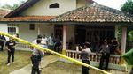 Rekonstruksi Pembunuhan 4 Bersaudara jadi Tontonan Warga