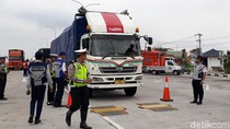 Razia Odol Digelar di Tol Pejagan-Pemalang, Puluhan Truk Ditilang