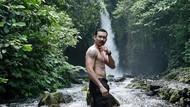 Foto: Denny Sumargo Tantang Adrenalin di Banyuwangi