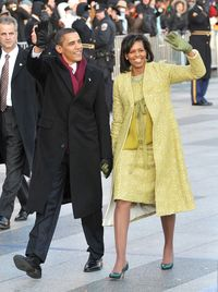 Karya Isabel Toledo yang dipakai Michelle Obama saat inaugurasi Barack pada 2009.