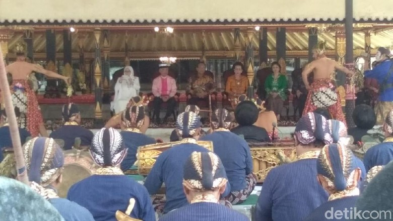 Bertamu ke Keraton Yogya, Raja Malaysia Disuguhi Tarian Beksan Lawung