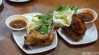 RM Ibu Haji: Sedapnya Soto Betawi dan Ayam Goreng Gaya Rumahan