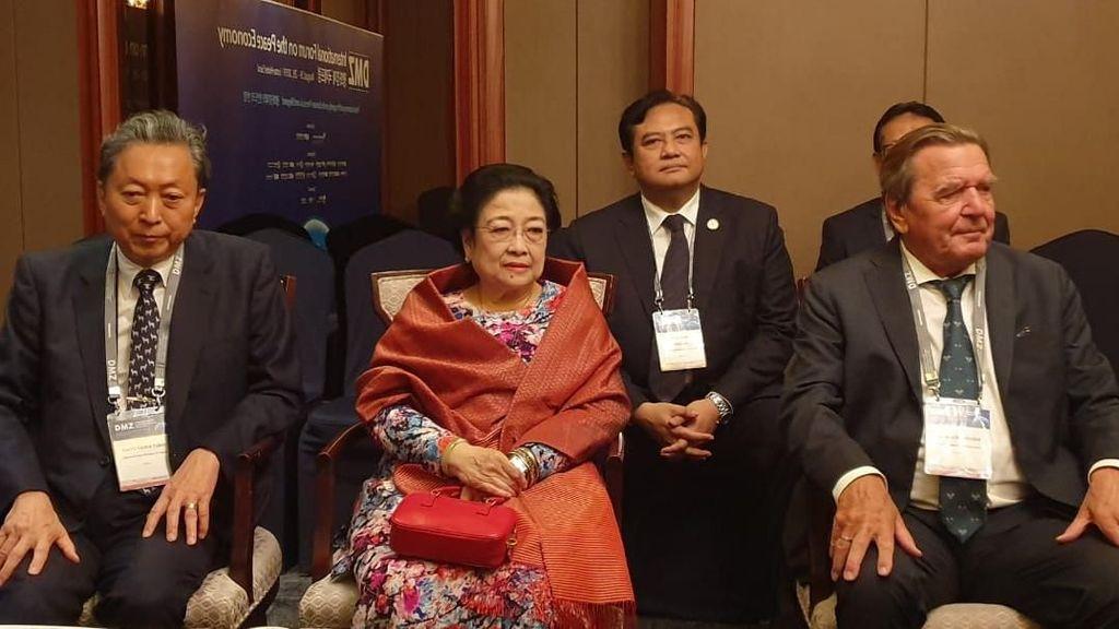Kala Megawati Tertawa Ditanya soal Pemindahan Ibu Kota