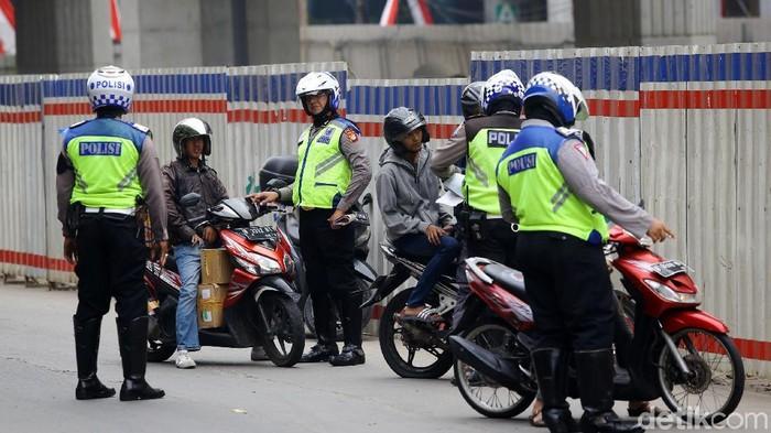 Operasi tilang di Jakarta (Grandy/detikcom)