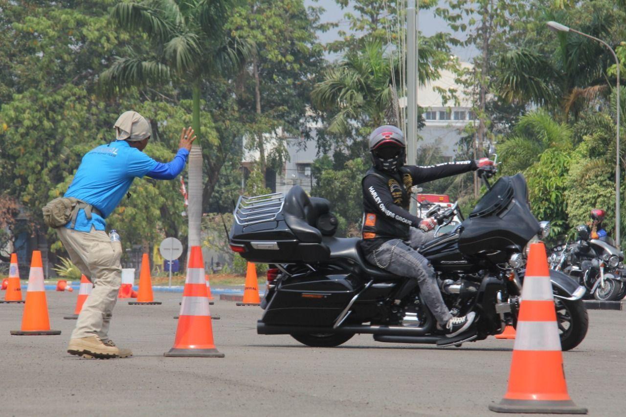 Anak Moge Dilatih Safety Riding oleh Polisi