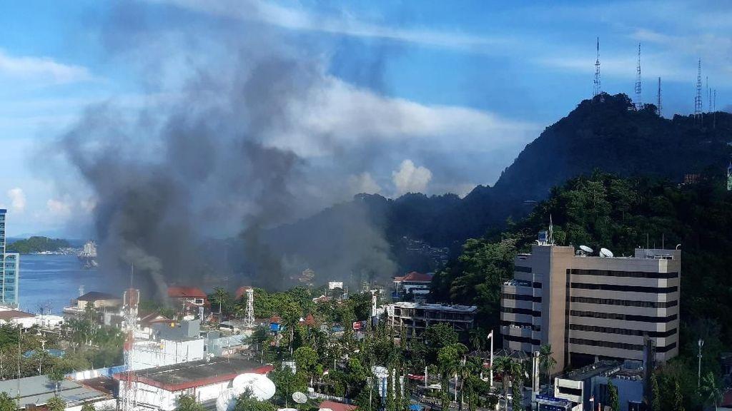 Kantor di Jayapura Dibakar Massa, Telkom Amankan Aset & Layanan