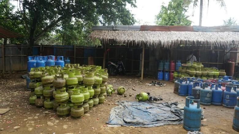 Polisi Gerebek Lokasi Pengoplosan Gas Elpiji di Langkat, 4 Pekerja Diamankan