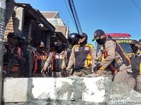 Diwarnai Debat, Pemkot Bongkar Tembok yang Blokir Jalan Umum di Surabaya