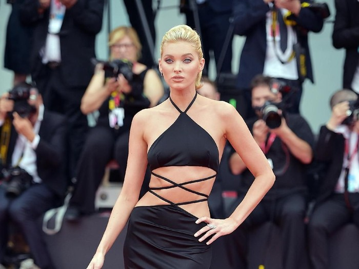 VENICE, ITALY - AUGUST 28:  Elsa Hosk walks the red carpet ahead of the Opening Ceremony and the