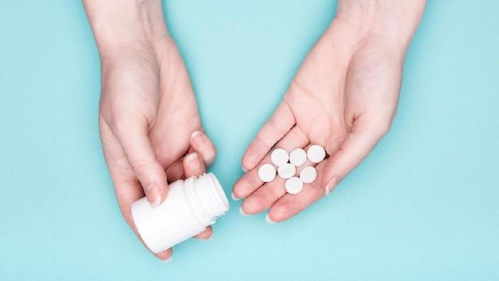 Ilustrasi obat psikotropika yang marak di toko online. Foto: iStock