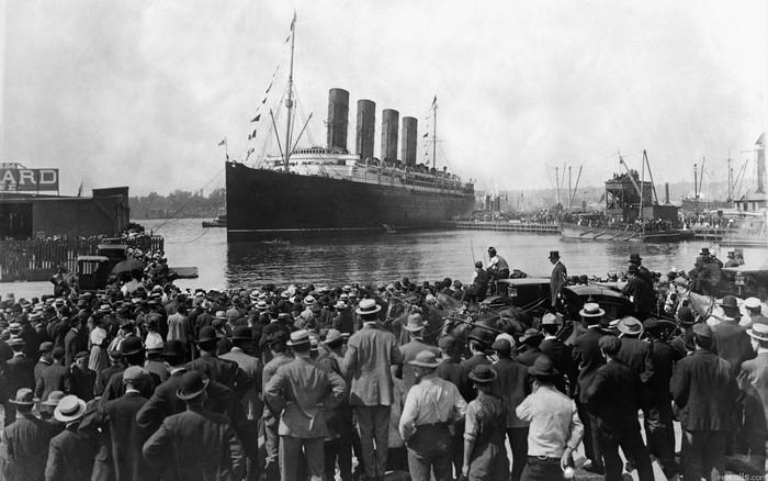 Tenggelamnya RMS Titanic atau kapal Titanic, merupakan salah satu bencana maritim yang paling dikenal sepanjang sejarah. Kapal megah dan mewah ini tenggelam pada tanggal 15 April tahun 1912. Foto: Istimewa