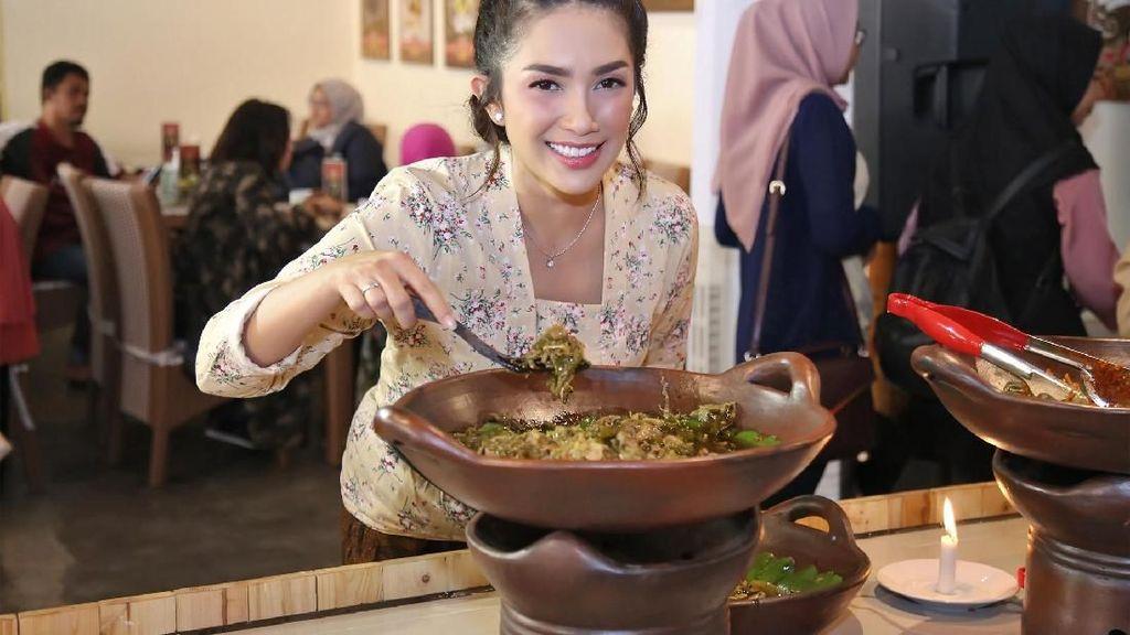 5 Resto Artis Lokal Ini Punya Makanan Tradisional yang Sedap