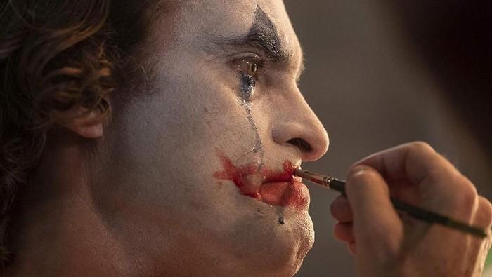 Joker digambarkan sebagai penjahat dengan gangguan jiwa skizofrenia (Foto: Dok. Warner Bros)