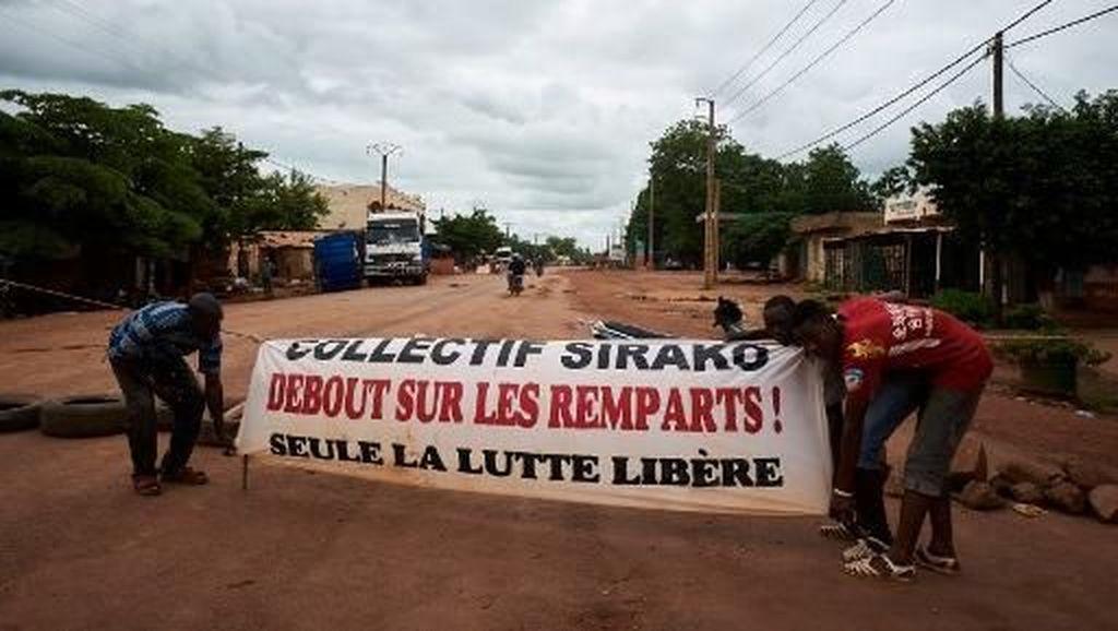 Protes Jalan Rusak, Massa Blokir Akses ke Ibu Kota Mali