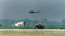 Mengenang Kisah Heroik Pilot Penyelamat 184 Nyawa