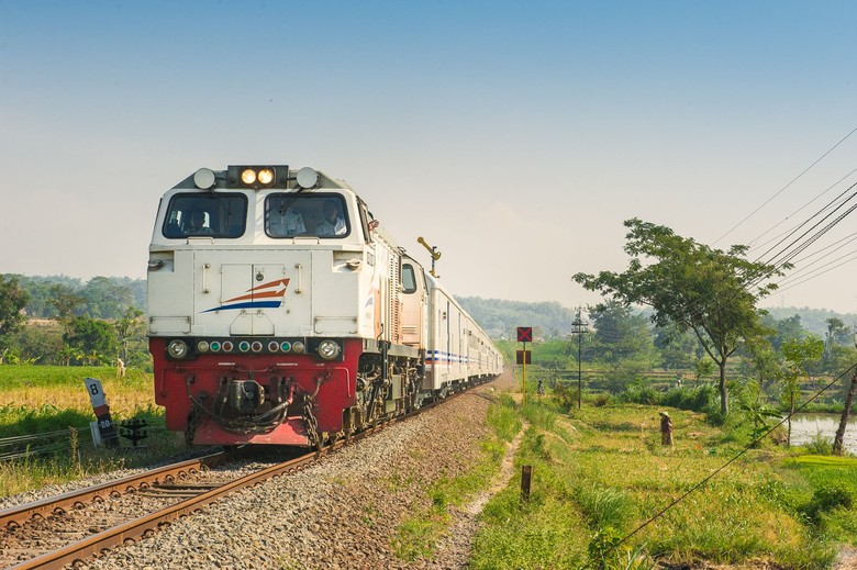 RI-Jepang Tindaklanjuti Proyek Kecepatan KA Jakarta-Surabaya