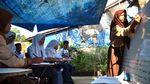 Siswa SMP di Kabupaten Bogor Belajar di Halaman Rumah Warga