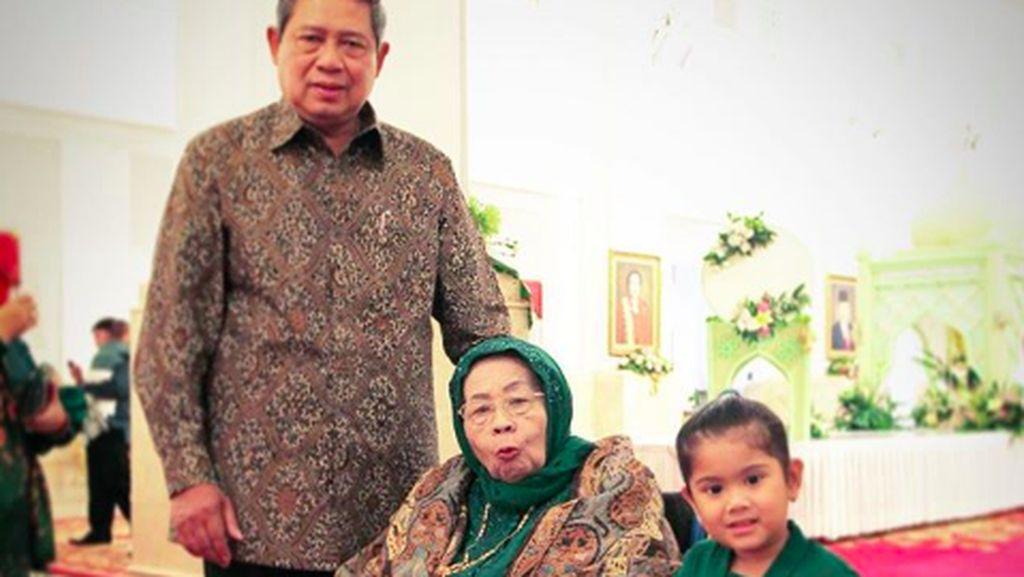 Innalillahi... Doa Netizen Mengalir Deras untuk Ibunda SBY