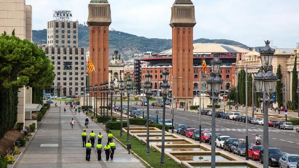 Kasus Corona Meningkat, Warga Barcelona Diminta Tinggal di Rumah