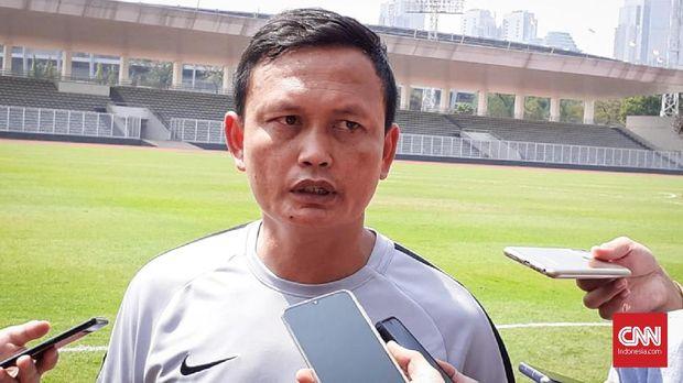 Timnas Indonesia akan didampingi Yeyen Tumena dan Joko Susilo lawan Malaysia.