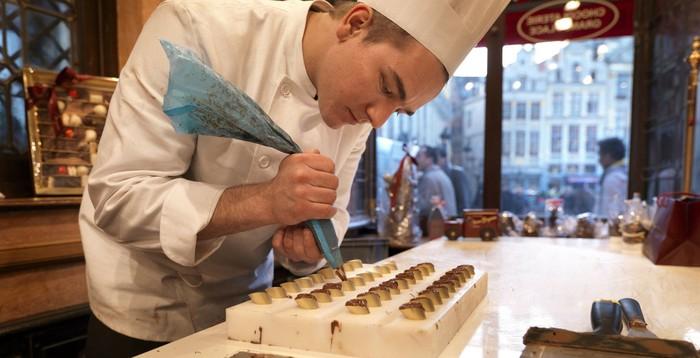 Berkunjung ke pabrik Chocolaterie Duval di Belgia, jadi pengalaman seru bagi para penggemar cokelat. Tur ini dibuka untuk umum, dan bisa sekaligus belajar buat cokelat. Foto: Istimewa