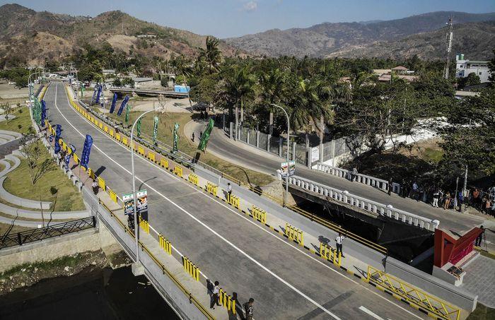 Jembatan BJ Habibie membentang sepanjang 78 meter dan lebar 11,5 meter.