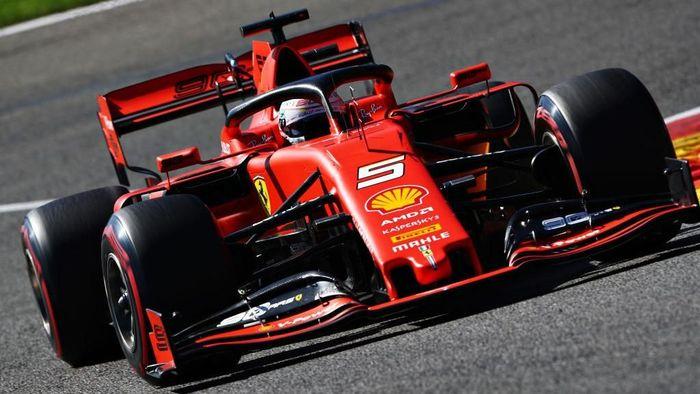 Pebalap Ferrari, Sebastian Vettel, tercepat di latihan bebas ketiga GP Italia. (Foto: Dean Mouhtaropoulos/Getty Images)