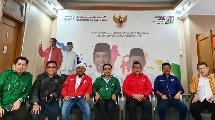 Pertemuan elite KIK pendukung Jokowi membahas soal Papua. (Dok. Facebook Verry Surya Hendrawan)