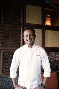 Chef India Pemilik Resto Michelin Ini Sajikan Naan hingga Pani Puri di Jakarta