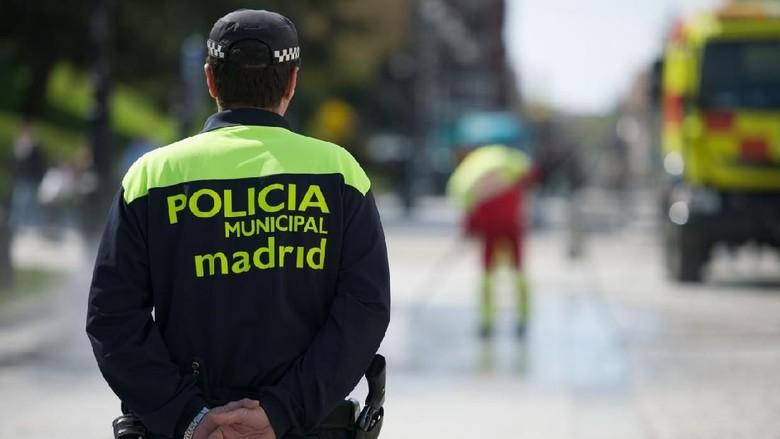 Polisi di Madrid dan Barcelona meningkatkan keamanan di tempat-tempat yang ramai turis (iStock)