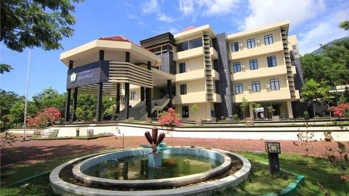 Foto: Gedung rektorat Universitas Khairun (Dok. Unkhair)