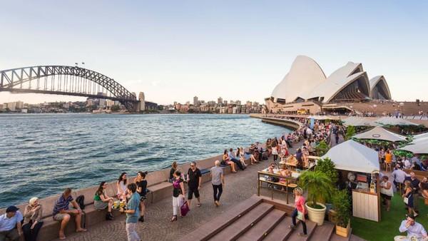 Peringkat kedua ditempati Sydney, Australia. Kota ini memiliki 406 jenis kegiatan outdoor yang bisa dinikmati masyarakat, salah satunya Pantai Bondi yang terkenal. Foto: (CNN)