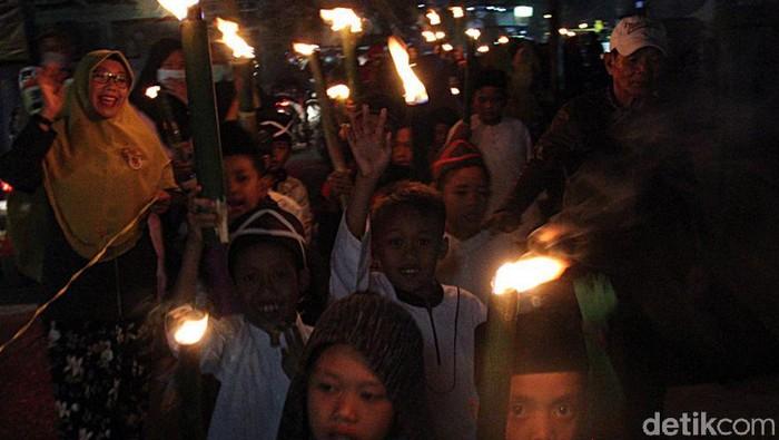 Perayaan Tahun Baru Islam 1441 Hijriah di Kabupaten Bandung berlangsung meriah. Beragam atraksi menarik semarakkan acara tersebut.