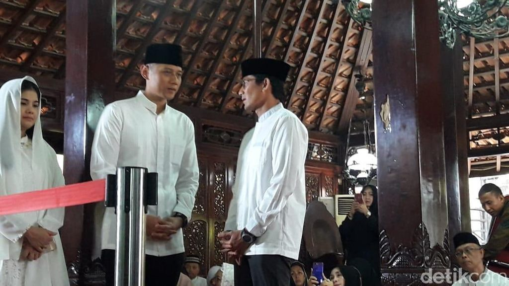 Ibunda SBY Wafat, Sandiaga Melayat ke Puri Cikeas