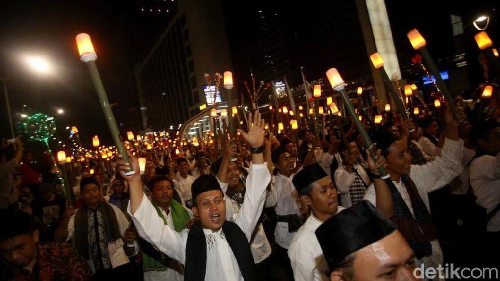 Pertama dalam Sejarah, Jakarta Pawai Obor Libatkan 4.000 Orang