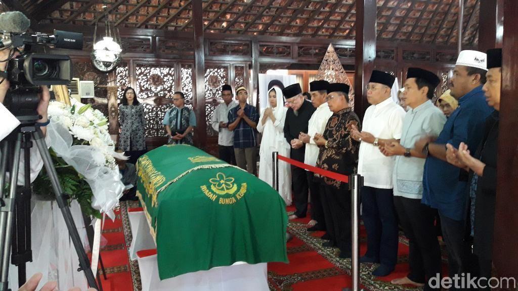 Ibunda SBY Wafat, Begini Suasana di Rumah Duka Cikeas