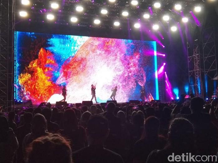 Konser Westlife Di Semarang Dijanjikan Spektakuler